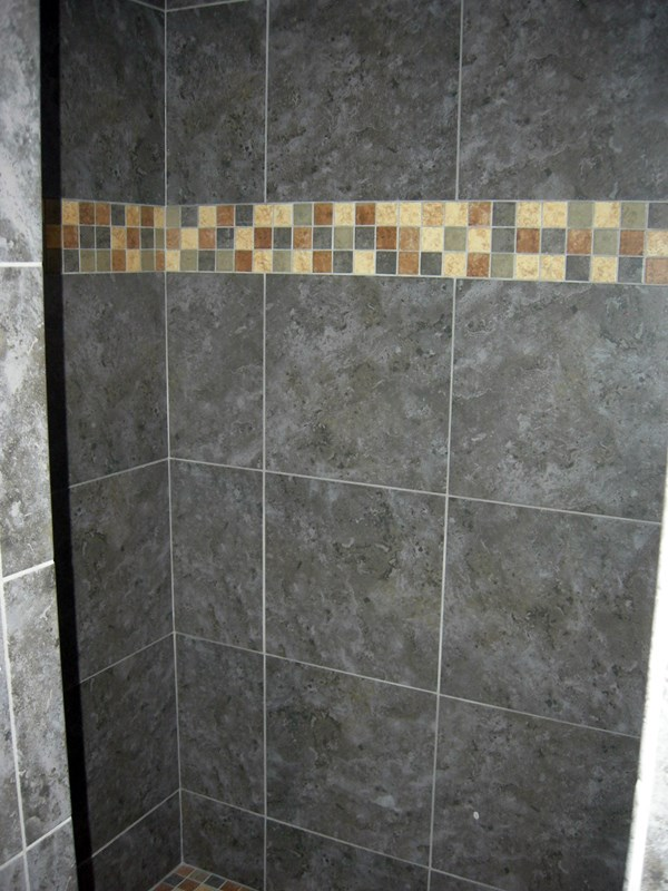 walk-in shower/tile