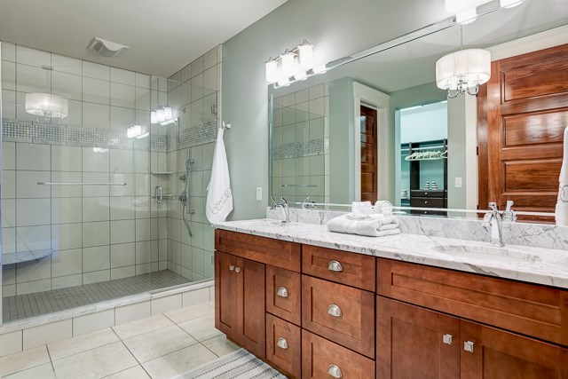Master Bath w/ Tile Shower